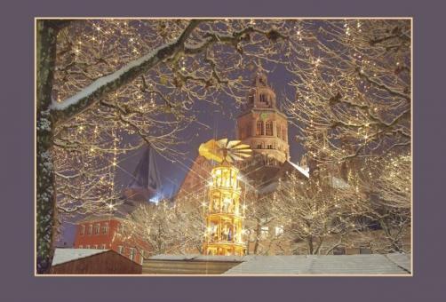Weihnachtliche Stimmung auf dem Höfchen am Mainzer Dom