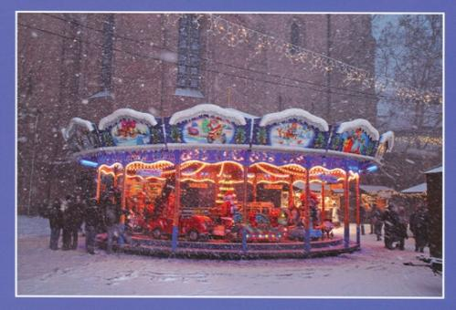 Karussell vor dem Mainzer Dom auf dem Weihnachtsmarkt