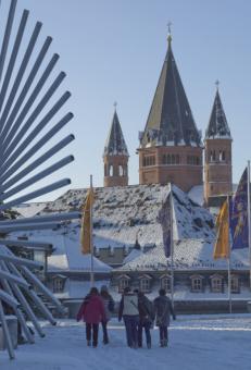 Winter vor dem Mainzer Rathaus