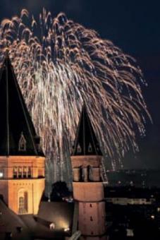 Sternenregen über dem Dom zu Mainz
