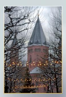 Blick vom Fischtor auf die Ostfassade des Mainzer Doms